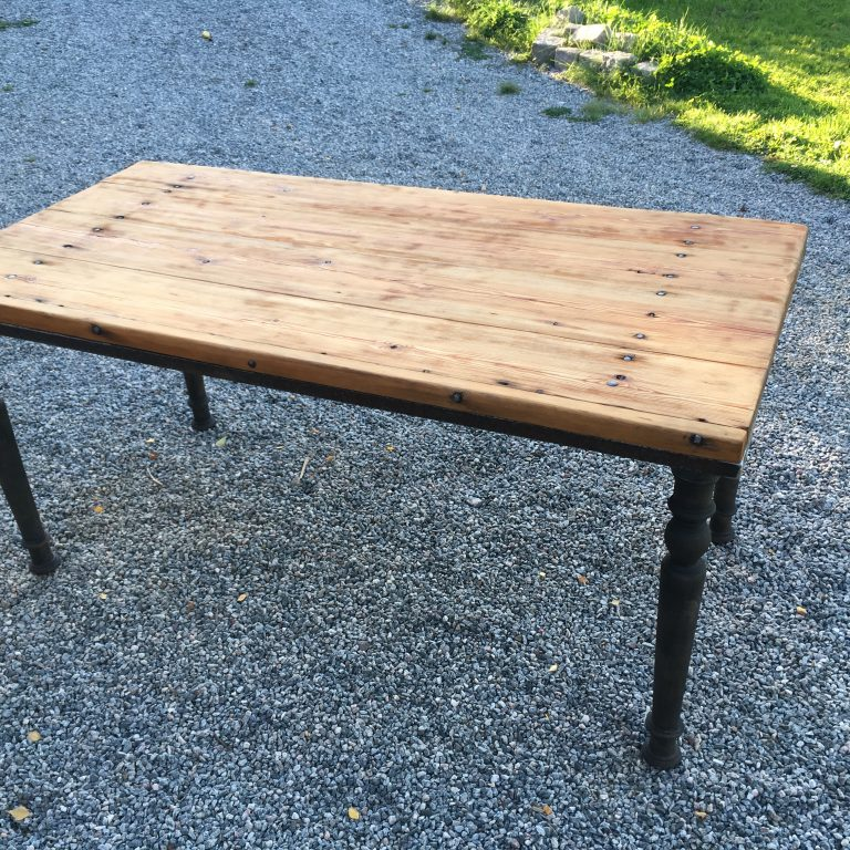 Kitchen/Dinner table